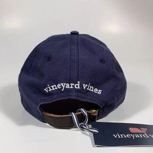 986744e4e60 Vineyard Vines Accessories - VINEYARD VINES Santa Whale Mistletoe XMAS Hat
